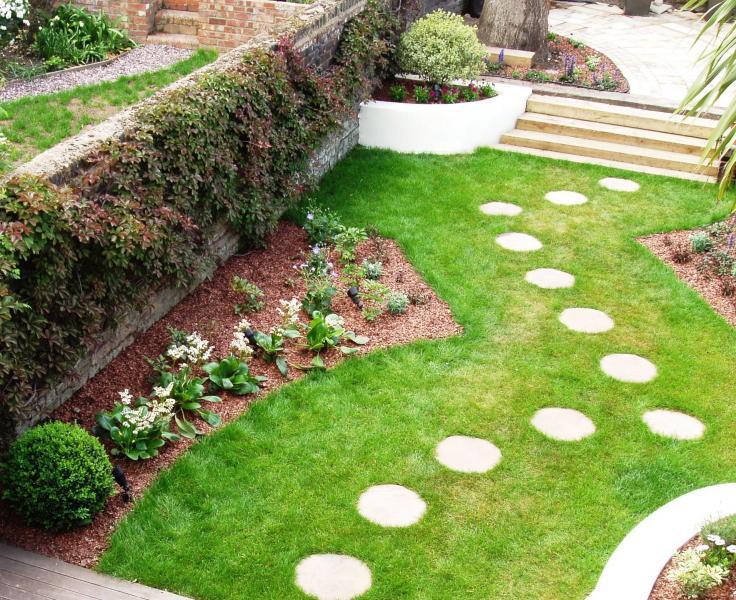 Funky town garden caro garden design for Funky garden designs