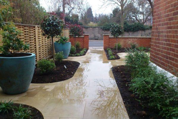 Practical but sleek garden